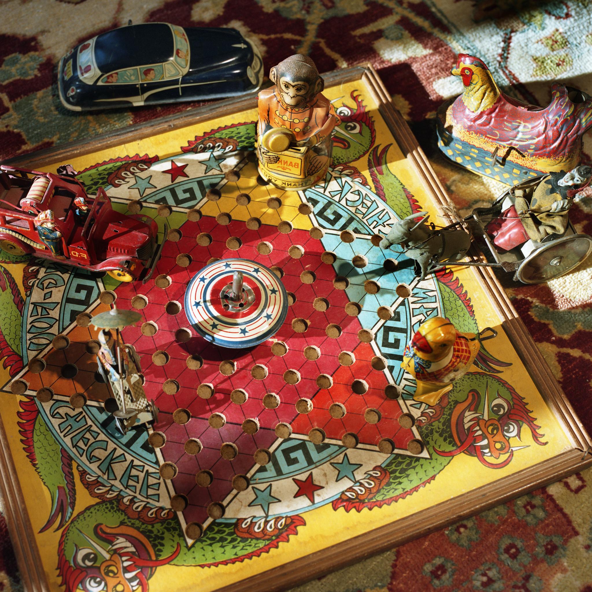 Chinese Checkers © Aline Smithson