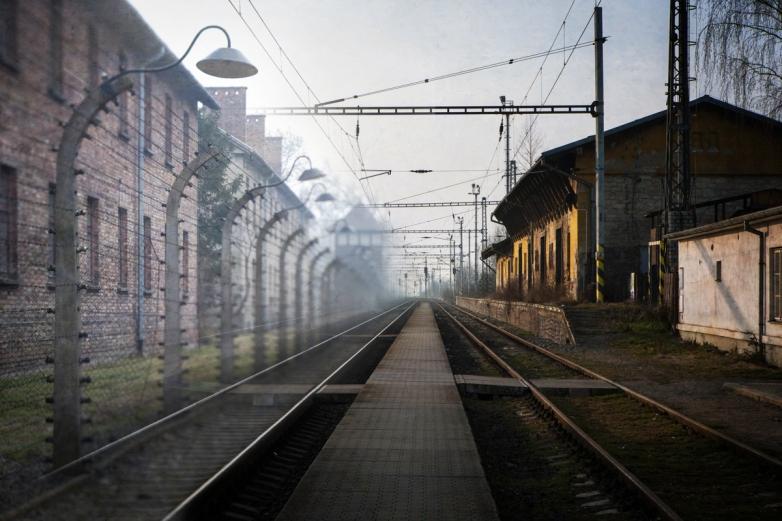 Buhosovice and Auschwitz © Keron Psillas