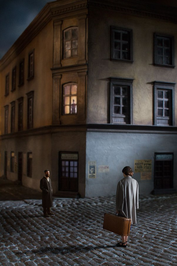 Couple in Street © Richard Tuschman
